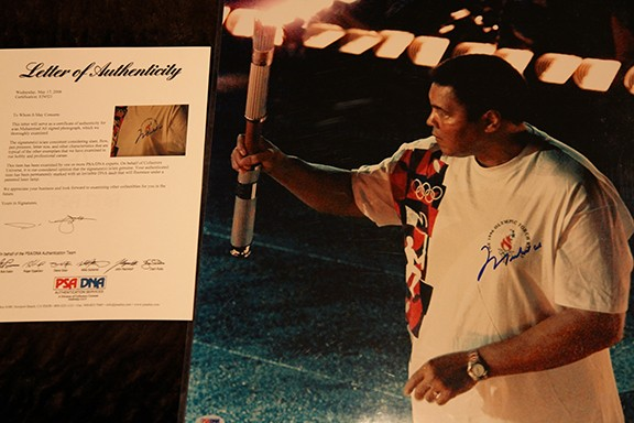 16x20 Mint Condition Muhammad Ali carrying the Olympic Torch at the Opening Ceremonies of the 1996 Olympics in Atlanta   Comes with Letter of Authenticity